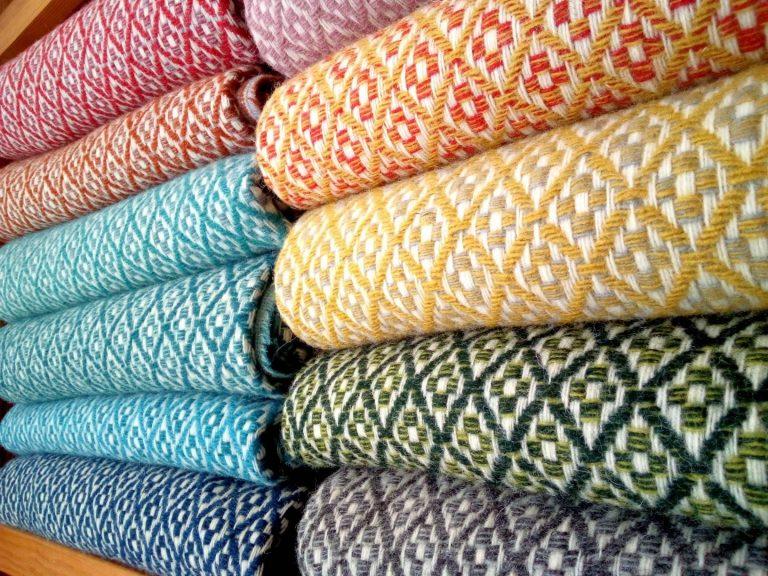 Pure wool blankets (flower pattern)