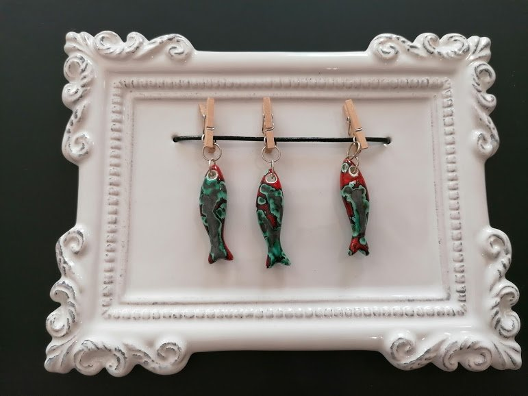 moldura sardinhas verde-vermelho