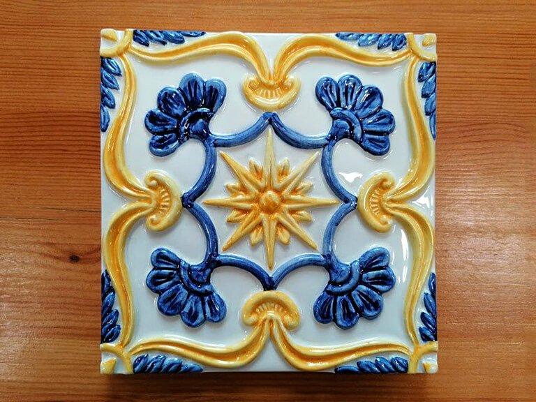 Azulejo pintado a mao - relevo-n25-grande