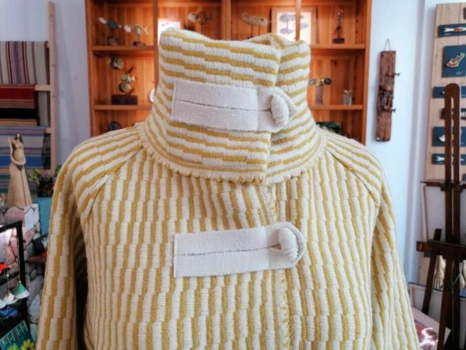 Casaco Lã - Amarelo - detalhe