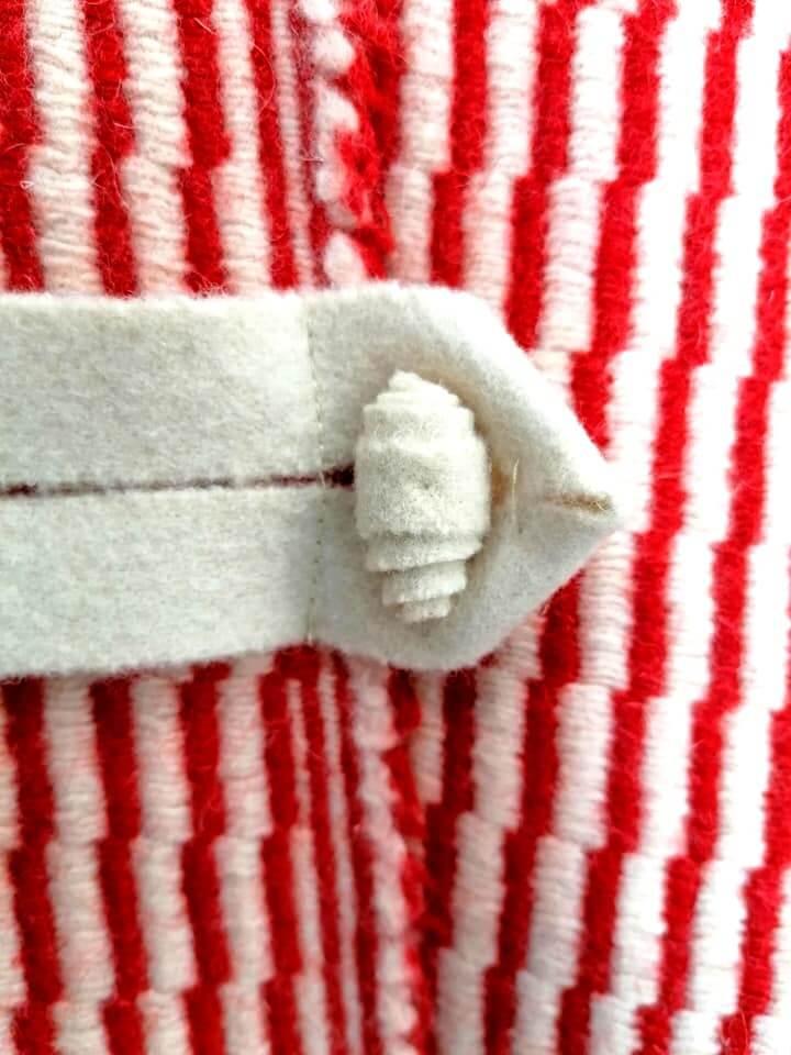 casaco lã - vermelho - detalhe