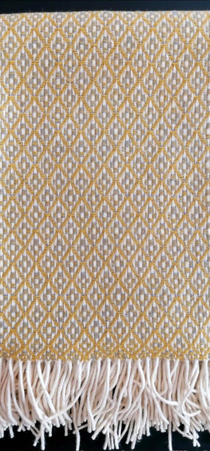 Manta Amarelo Cinza - Grande (Padrão Flor)